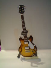 Miniature Guitar (24cm Tall) : GIBSON 335 BROWN