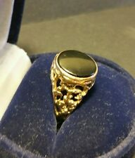 Stylish Vintage Mens 9CT Gold Black Onyx Engraved Signet Gemstone Ring Size O1/2