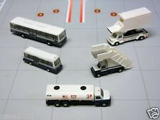 Gemini 200 Airport Service Vehicles 5 Pc Set (Bus,Stairs..) G2APS450 1/200 Scale