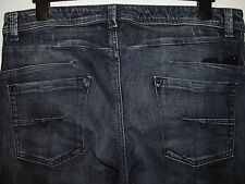 DIESEL DARRON REGULAR SLIM-TAPERED FIT JEANS 008M9 W35 L32 (3678)