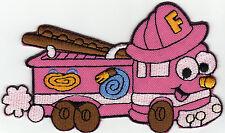Aufnäher Bügelbild Iron on Patches Feuerwehr Auto niedlich süß rosa (a3u4)