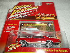 JOHNNY LIGHTNING 1/64 2016 CLASSIC GOLD RED 1965 BUICK RIVIERA