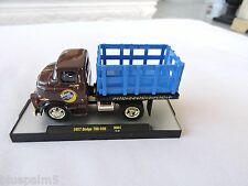 1/64 M2 Machines 1957 Dodge 700 COE Moon Pie 1 of 500 Gold Chase Acrylic Case