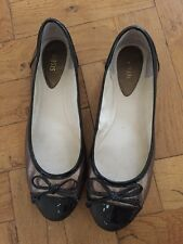 Gorgeous Black With Bronze Flats By Oasis -  - UK 7 / Eur 40
