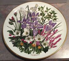 "Wedgwood for Franklin Porcelain JANUARY Flowers of the Year 10 7/8"" Plate"