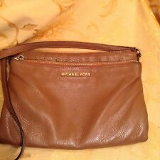 MICHAEL KORS BROWN LEATHER BEDFORD LARGE CROSSBODY USED COND.
