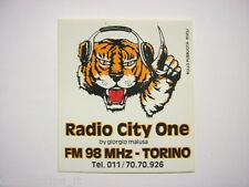 VECCHIO ADESIVO RADIO / Old Sticker _ RADIO CITY ONE TORINO TIGRE (cm 9 x 10)