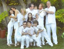 Modern Family 8X10 Color Glossy Photo CAST SHOT