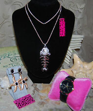 BETSEY JOHNSON GORGEOUS 3 PC BONEFISH NECKLACE STARFISH EARRINGS & WATCH BLACK