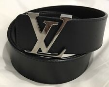 Louis Vuitton LV inicia Cinturón Reversible 40mm M9887