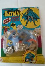 BATMAN STUNT CYCLE WITH PACKAGE - AZRAK-HAMWAY INT'L - # 6089