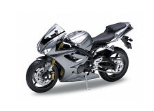 Triumph Daytona 675 Diecast Model Motorcycle GW10