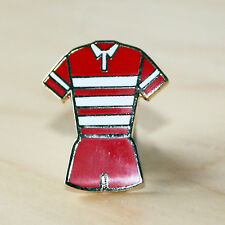 RED & WHITE HOOPED RUGBY LEAGUE/UNION KIT BADGE - WIGAN & GLOUCESTER COLOURS