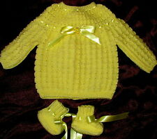 pour naissance brassiere bébé jaune poussin tricotée main + chaussons qualité