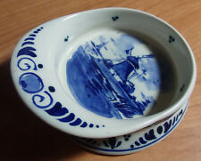 RARE BILL OF THE CAP SIGNED HANDPAINTED DELFT BLUE CROWN ASH TRAY