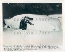 1948 Kew Gardens NY Man Finds Car Under Blanket of Snow Press Photo