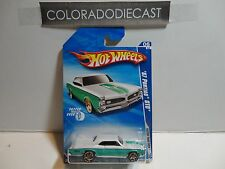 2010 Hot Wheels #134 White/Green '67 Pontiac GTO w/FTE Wheels