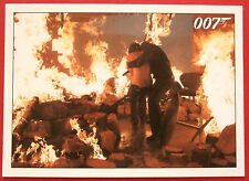 JAMES BOND Quantum of Solace - Card #084 - Bond Tells Camille To Close Her Eyes