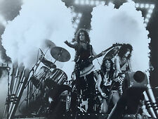 Photo   KISS   Vinnie VINCENT  Paul STANLEY  Gene SIMMONS   Format 18x24cm