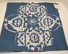 Pottery Barn Blue Off White Embroidered Medallion Sofa Toss Pillow Cover New