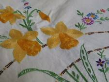 Pretty Vintage Irish Linen Embroidered Tablecloth Daffodils