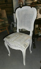 CHAISE ANCIENNE STYLE LOUIS XV RELOOKEE BLANC DOS CANNE ASSISE TISSU JACQUARD