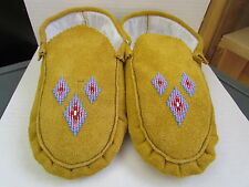 NATIVE AMERICAN BEADED MOCCASINS 9.5 INCHES DIAMOND DESIGN BEAUTIFUL HAND MADE