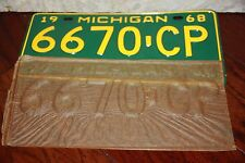 1968  MICHIGAN  License Plate *** '68  **  Commercial  **  w/ original  divider