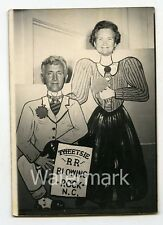 Vintage arcade cut out studio comic photobooth Blowing Rock NC