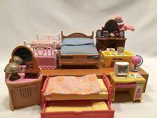 Dollhouse Miniature Plastic Bedroom Room Furniture Lot of 11