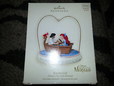 2007 HALLMARK Ornament DISNEY THE LITTLE MERMAID KISS THE GIRL Motion Music NEW