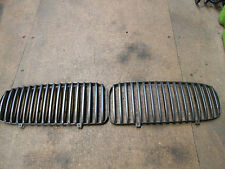 Jaguar X308 XJ8 Front Grill Vanes. Sold as a pair. Metallic Grey in colour.