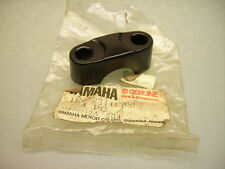 NEW YAMAHA 1E6-23441-00 XS250 XT 500 XT550 XS 400 UPPER HANDLE BAR HOLDER CLAMP