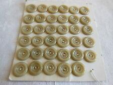 ancienne plaque 35 boutons vintage  beige gris  2 trous diamètre: 1,3 cm