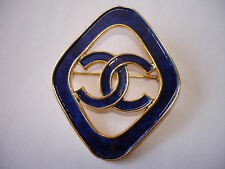 *RARE* GORGEOUS AUTHENTIC CHANEL CC LOGO DARK BLUE ENAMAL VINTAGE PIN BROOCH