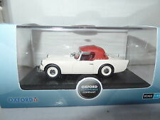 Oxford DSP003 1/43 O Scale Daimler SP250 Ivory & Red Hood Up
