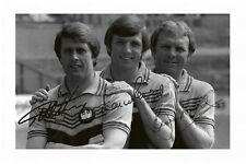 WEST HAM UTD - BOBBY MOORE & GEOFF HURST & MARTIN PETERS SIGNED A4 PP PHOTO