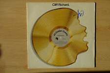 "Cliff Richard Autogramm signed LP-Cover ""40 Golden Hits"""