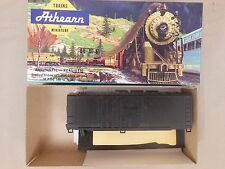 HO SCALE ATHEARN UNDECORATED 40' GRAIN LOADING BOX CAR KIT NOS