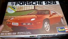 REVELL PORSCHE 928 1/25 MODEL CAR MOUNTAIN KIT OPEN