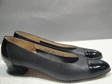 WOMENS 8 2A SALVATORE FERRAGAMO BLACK LEATHER CAPTOE KITTEN HEELS BALLET FLATS