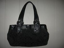 COACH 13742 Black SIGNATURE JACQUARD SOHO PLEATED HANDBAG Purse 9 x 15 x 4 EUC