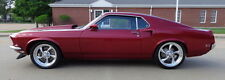 Ford: Mustang S CODE MACH1