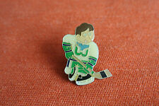17092 PIN'S PINS HOCKEY JOUEUR PLAYER