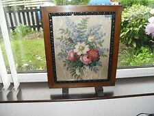 VINTAGE GLASS PROTECTED MATERIAL WOOD FIRE SCREEN SIZE 56.8 X 45.4 CM