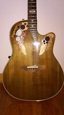Ovation Collector series 1984 - Made in USA (hair line cracks in top)