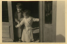 PHOTO ANCIENNE - VINTAGE SNAPSHOT - ENFANT PYJAMA DRÔLE - CHILD FUNNY