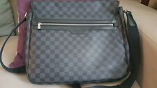 louis vuitton messenger bag  daniel mm