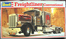 *NEW* Vintage Revell Freightliner Conventional Model Truck Kit 1/25