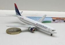 560498: Boeing 737-800,  Delta Shuttle